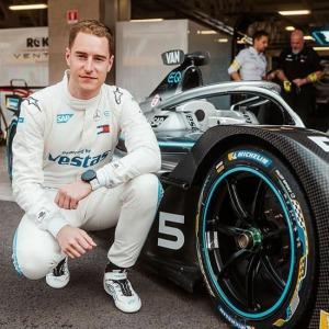 suunto 9 baro Titanium Mercedes Benz EQ Formula E Team Edition